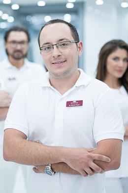 Dr. Martin Popov